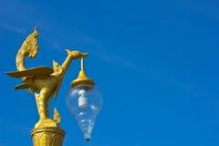 Tajlandzka stylowa złota ptasia statua Zdjęcie Royalty Free