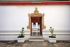 Tajlandzki świątynny drzwiowy Bangkok Thailand Fotografia Royalty Free
