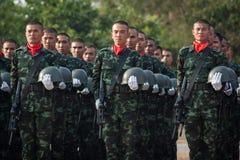 Tajlandzki żołnierz w Królewskim Tajlandzkim Orężnym siła dniu 2014 fotografia royalty free