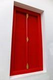 Tajlandzki czerwony drzwi Obrazy Royalty Free