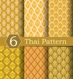 Tajlandzki deseniowy złoto obraz stock