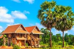 Tajlandzki dom na wsi i niebieskie niebo Obraz Stock