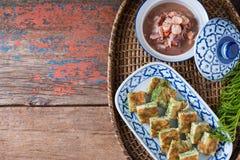 Tajlandzki jedzenie, Akacjowy Pennata Omelette i pasta kumberland, Obrazy Royalty Free