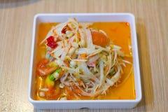 Tajlandzki jedzenie, melonowiec sałatka lub co dzwoniliśmy ` Somtum ` w Tajlandzkim Zdjęcie Royalty Free