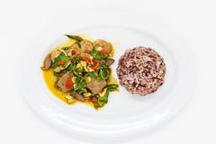 tajlandzki jedzenie na bielu talerzu Zdjęcia Stock