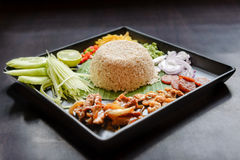 Tajlandzki jedzenie - Rice mieszający z krewetkowym pasty Kao Cluk Ka Pi Zdjęcia Stock