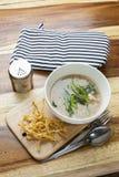 Tajlandzki jedzenie: Smażący kluski w sosie Zdjęcie Stock