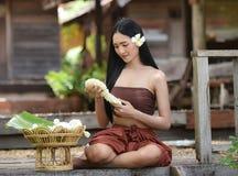 Tajlandzki kobiety sukni styl Tajlandzki Zdjęcia Stock