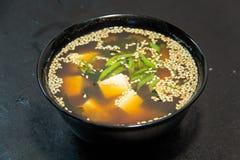 Tajlandzki, Koreański lub Chiński owoce morza posiłek zupa kluski Garnela Zdjęcia Royalty Free