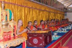 Tajlandzki michaelita ono modli się dla obrządu religijna w buddyjskim Zdjęcie Stock