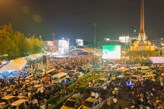 Tajlandzki polityczny motłoch przy zwycięstwo zabytkiem, Bangkok, Tajlandia Zdjęcia Royalty Free