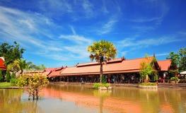 Tajlandzki styl mieści blisko rzeki Fotografia Royalty Free