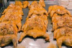 Tajlandzki styl piec na grillu kurczaka na Thailand ulicy jedzeniu Obrazy Royalty Free