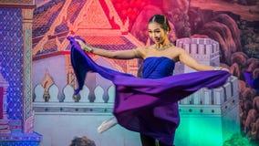 Tajlandzki taniec w Songkran festiwalu obrazy stock