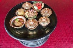 Tajlandzki tradycyjny jedzenie: sztuczny karmowy puchar tło, tekstura,/ Obrazy Royalty Free