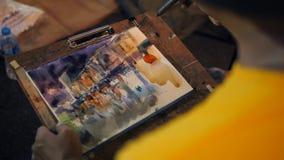 Tajlandzki Uliczny artysty rysunku obrazek z Wodną farbą przy Sławnym niedzielna noc rynkiem w Phuket miasteczku 4K Tajlandia - 0 zdjęcie wideo