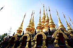 Tajlandzkie świątynie, duże Buddha statuy zdjęcie stock