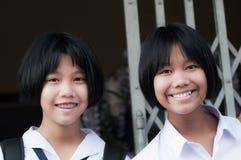 Tajlandzkie uczennicy w mundurze. Zdjęcia Stock