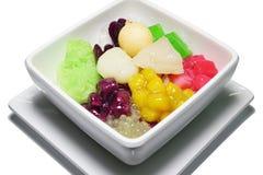 Tajlandzkiego deserowego rubinowego salim truflowy kolorowy mieszany z kokosowym mlekiem Zdjęcia Stock