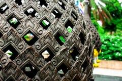 Tajlandzkiej sztuki ceramiczna glina w słońce połysku przy parkiem Zdjęcia Royalty Free