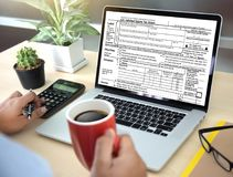 Tajma för skatt Busi för den finansiella redovisningen för pengar för skattplanläggningen royaltyfria bilder