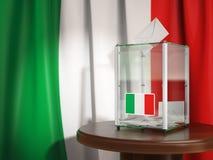 Tajnego głosowania pudełko z flaga Włochy i głosować papiery Włoski mieszkaniec Zdjęcie Royalty Free