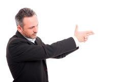 Tajny agent bierze cel z jego ręką Zdjęcia Stock