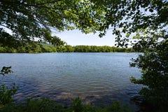 Tajny połowu punkt przy Pamiątkowym jeziorem Obrazy Stock