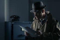 Tajny szpieg kraść kartoteki Obraz Stock