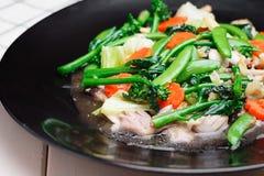 tajskie jedzenie Fertania Smażący Mieszani warzywa jarski jedzenie, zdrowie Obrazy Royalty Free