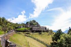 Tajwański Qing Jing gospodarstwa rolnego góry kasztel zdjęcie stock
