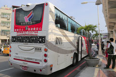 Tajwańskiej wycieczki autobusowej tylni widok Zdjęcie Stock