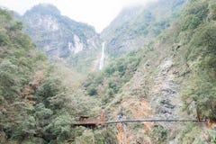 TAJWAN - Jan 18 2016: Baiyang ślad w Taroko parku narodowym stratocaster gitara elektryczna Fotografia Royalty Free