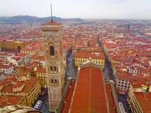 Tak-överkant sikt av Florence, Italien från Duomo arkivbild