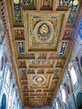 Tak av Archbasilicaen av St John Lateran, Rome, Italien Arkivfoton