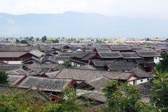 Tak av den gammala townen för lijiang, yunnan, porslin Arkivfoton