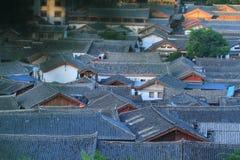 Tak av den gammala townen för lijiang, yunnan, porslin Arkivfoto