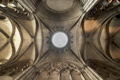 Tak av den St Etienne domkyrkan i Limoges fotografering för bildbyråer