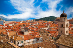 Tak av Dubrovnik den gamla staden Royaltyfri Foto