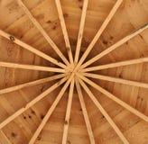 Tak av en träpaviljong Arkivfoto