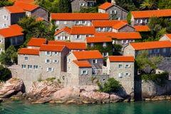 Tak av husen på ön av St Stefan Montenegro Royaltyfri Fotografi