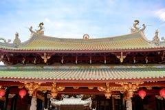 Tak av kinesisk tempelThian Hock Keng i Singapore arkivbild