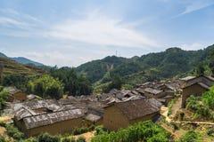 Tak av kinesiska gamla byhus Arkivfoto