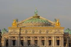 Tak av Palais Garnier, operabyggnad av Paris arkivbild
