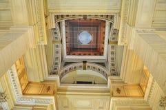 Tak av slotten av rättvisa Palais de Justice, Justitiepaleis lagdomstolar av Bryssel, Belgien Royaltyfri Foto