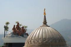 Tak av templet till den hinduiska guden Shiva, Nepal royaltyfri bild