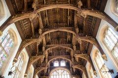Tak av Tudor Great Hall på Hampton Court royaltyfri bild