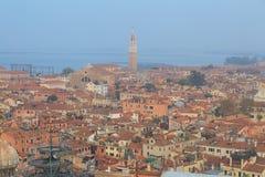 Tak av venetian hus Arkivfoto