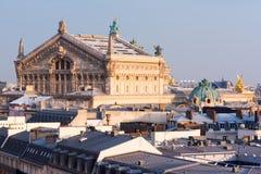 Tak för opera Garnier och Paris arkivbild