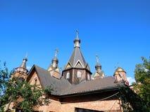 Tak för ortodox kyrka i sommar Arkivbild
